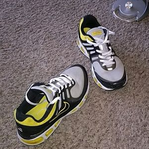 pretty nice cfc5d 35970 Nike. Nike Airmax 2009 LAF Livestrong running shoes